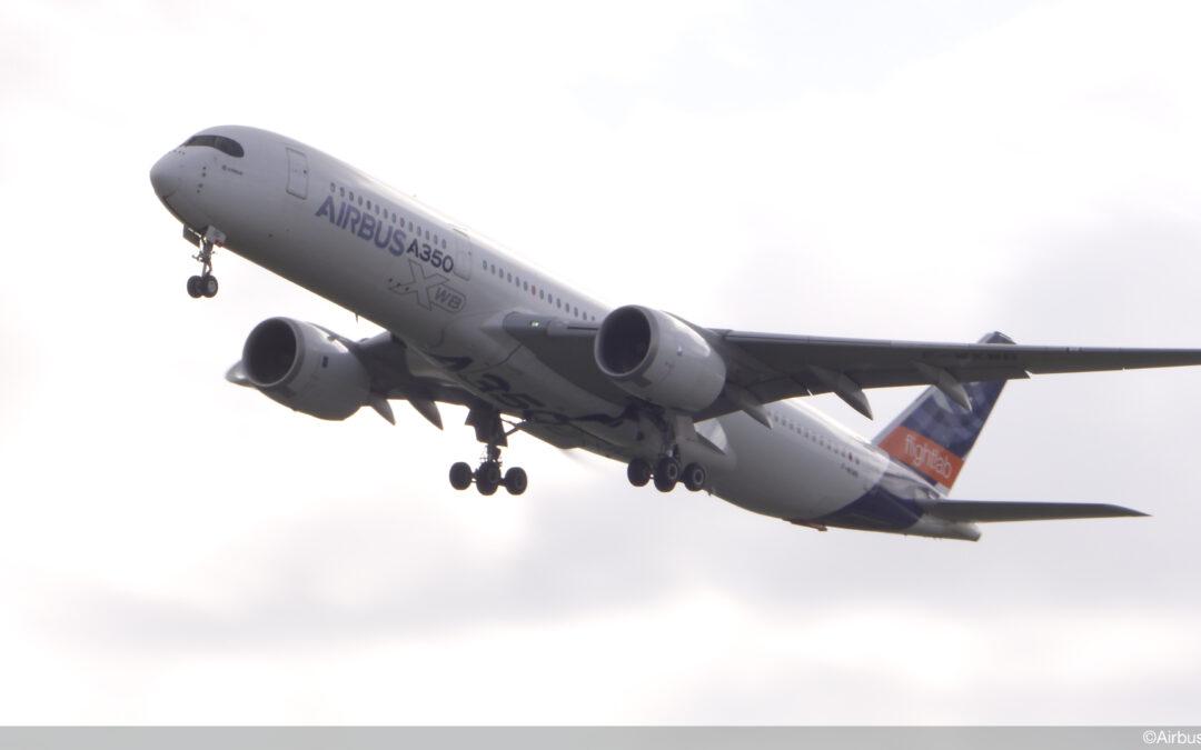 Första testflygningen av fullskaligt jetplan med 100% bioflygbränse